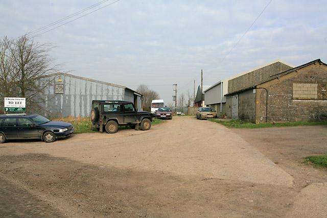 Footpath and farm buildings at Southfield Farm