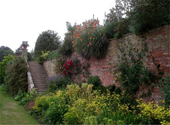 Steps leading to terracing, Powis Castle