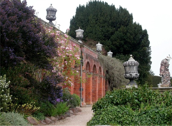 Arched brick alcoves in terrace, Powis Castle