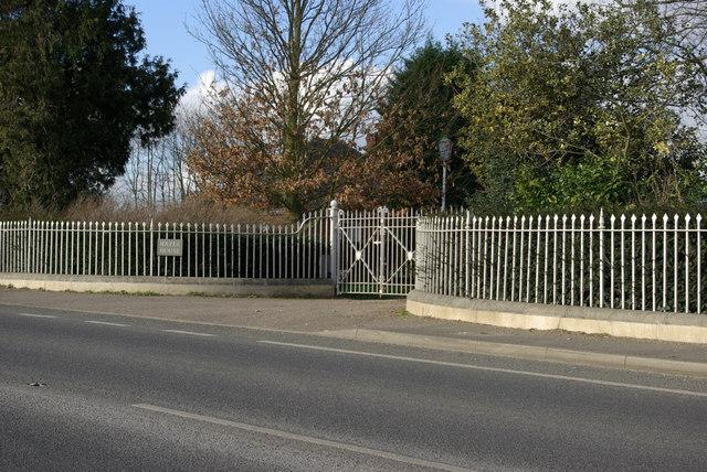 Fence and Gates, Hazel House