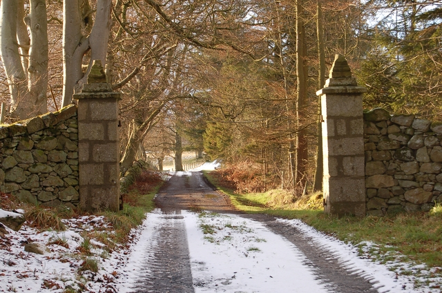 Drive to Elrick House
