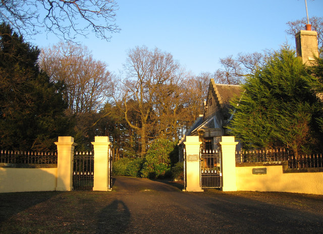 Grangehill Lodge and south gates