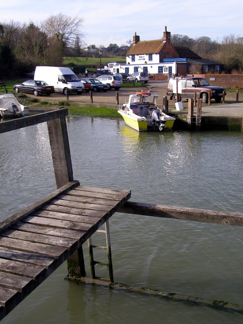 Jetty and Jolly Sailor, Ashlett