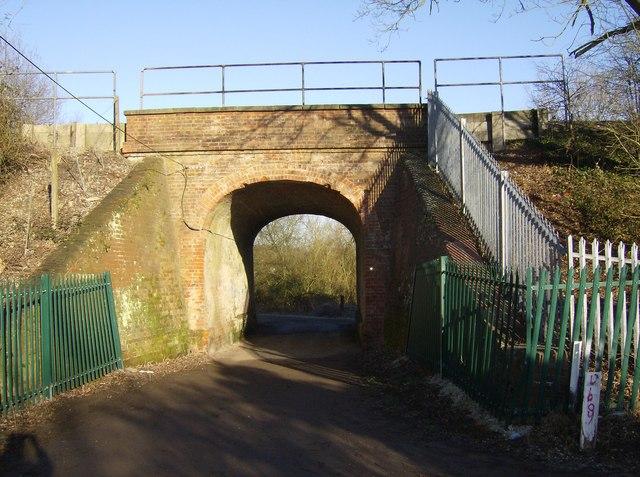Railway Bridge on track to Southcote Lock looking north