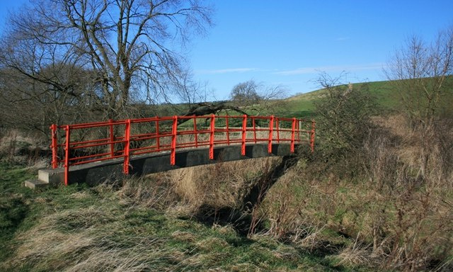 Footbridge over Thorpe Beck