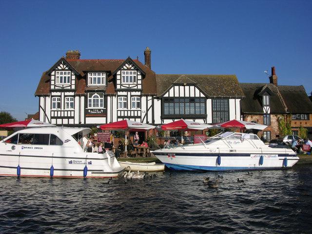 Lunch at the Swan Inn, Horning, Norfolk