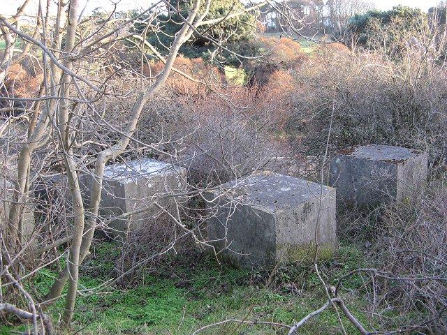 Tank traps, Longniddry