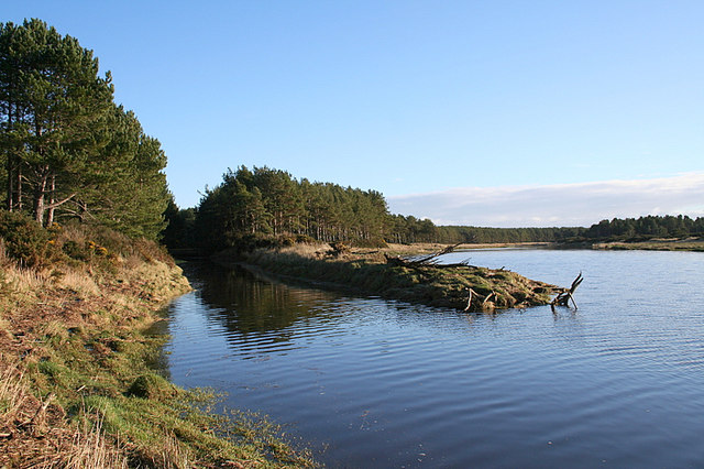 The Innes Canal joins the River Lossie.