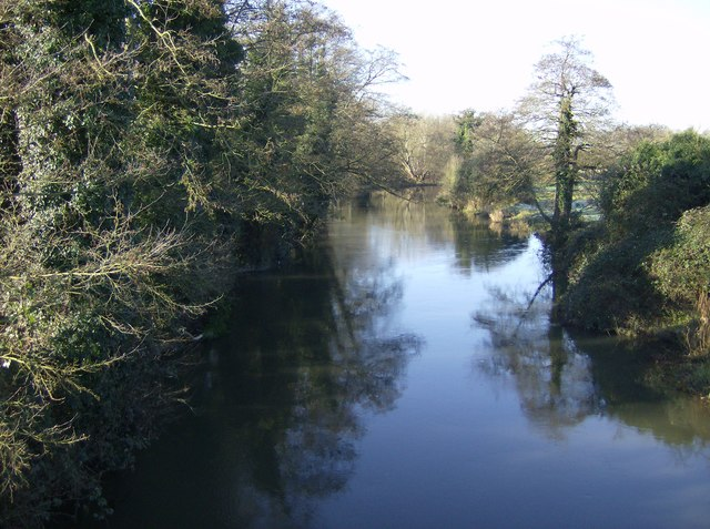 River Kennet looking west from Hissey's Bridge