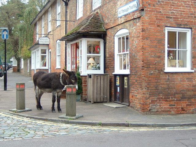 Beaulieu Street Scene