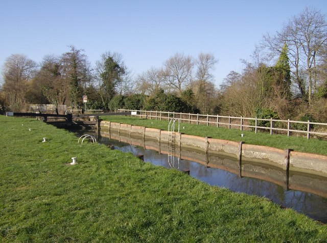 Sheffield (or Shenfield) Lock, Kennet and Avon Canal