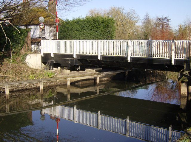 Sheffield Swing Bridge, Kennet and Avon Canal