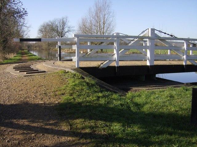 Sulhamstead Swing Bridge