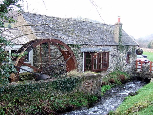 Old waterwheel, Llanychaer