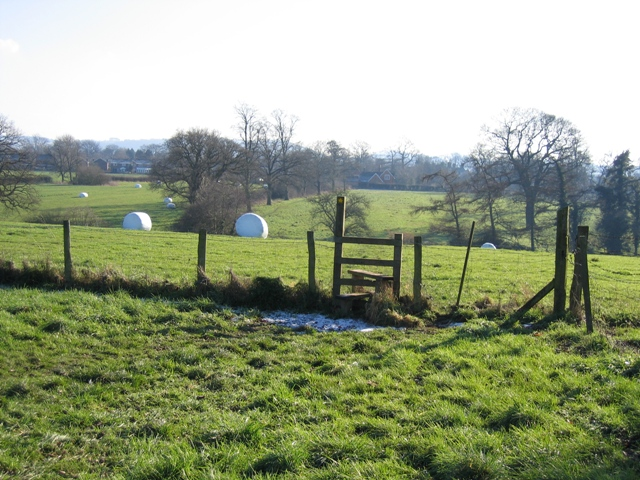Footpath to Tattenhall from Brook Hall