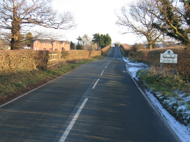 Approaching Tattenhall along Frog Lane.