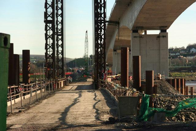 Temporary construction bridge