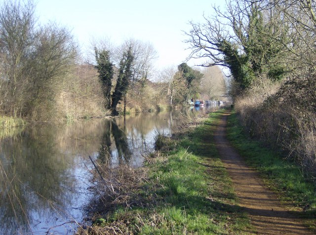 Kennet and Avon Canal west of Aldermaston