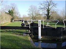 SU5666 : Heale's Lock by Graham Horn