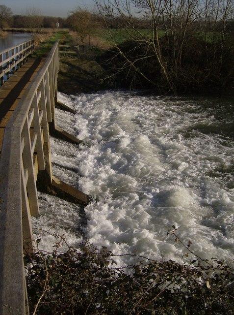Weir near Colthrop