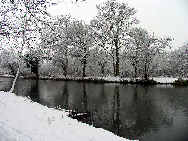 Wintry Reflections: Kennet and Avon Canal
