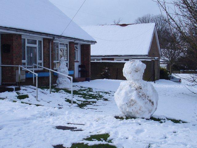 Snowmen on Gore Road
