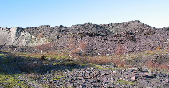 The rubbish runs of the upper pit of Upper Glynrhonwy Quarry