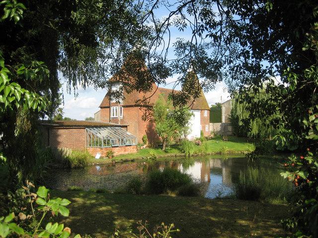 Dove's Oast, Swattenden Lane, Cranbrook, Kent