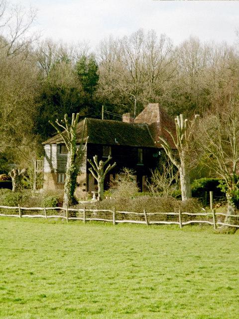 Paper Mill Oast, Hinksden Road, Benenden, Kent