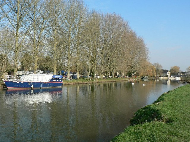 River Thames by Lechlade Riverside Marina