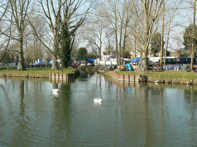 Eastern entrance, Lechlade Riverside Marina