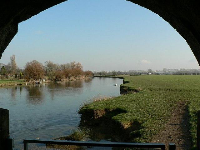 River Thames from under Ha'penny Bridge