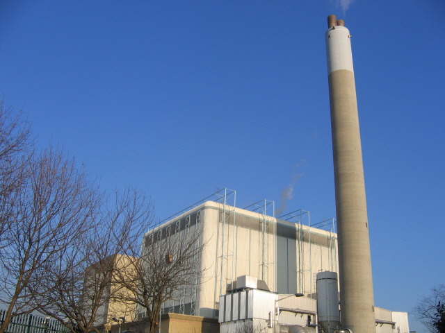 SELCHP incinerator / power plant, Rotherhithe