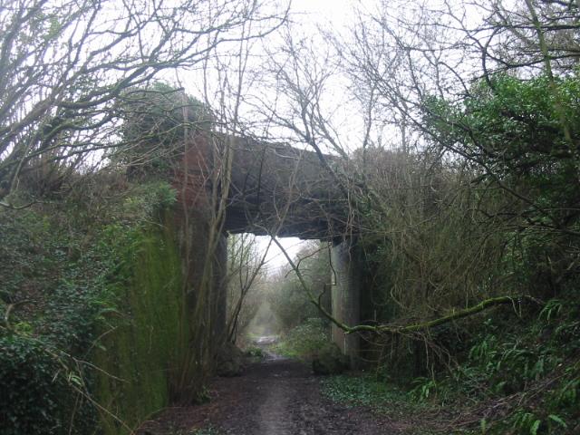 Whetley Bridge and disused rail line