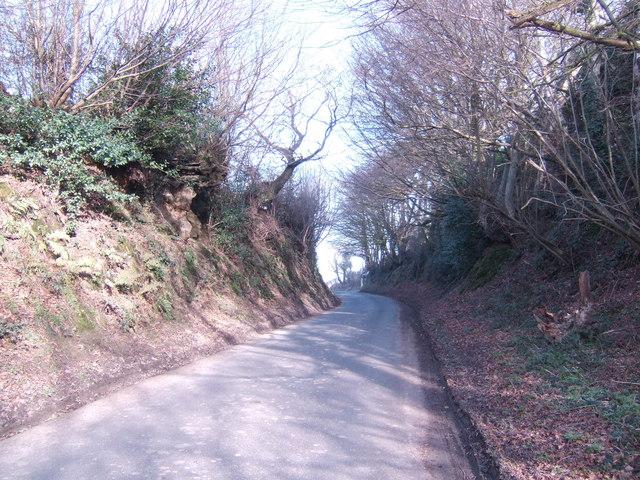 Deeply-cut lane