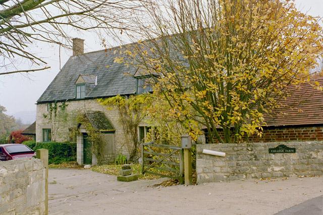 College Farm, Haresfield