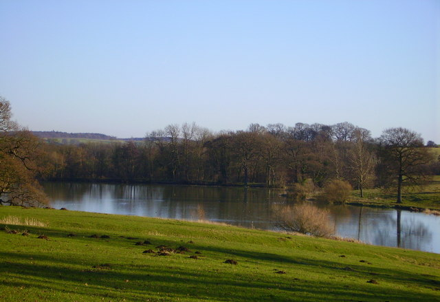 Lake in Fawsley Park