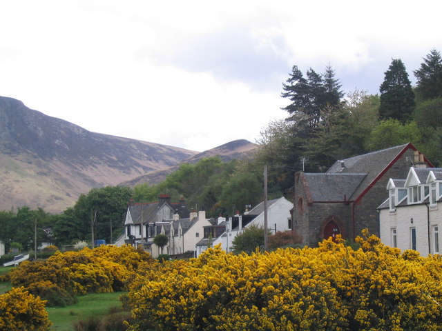 Lochranza Village from the Shoreline