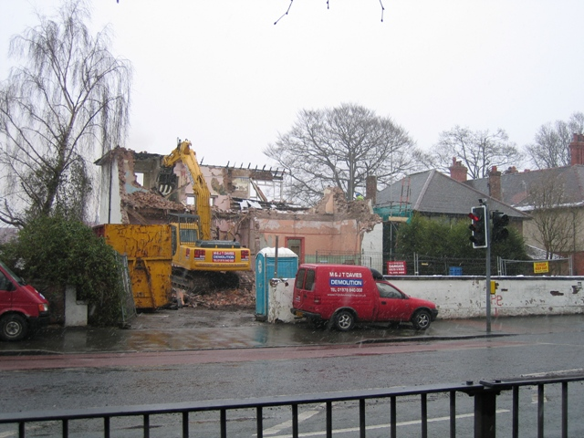 Tudor Court, Hough Green - Going
