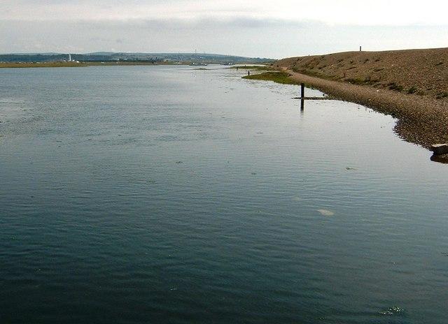 Hurst Spit leading to Hurst Castle and Lighthouse