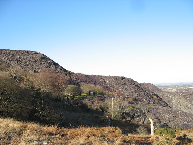 View across the unnamed pit to the rubbish runs of Upper Glynrhonwy Quarry