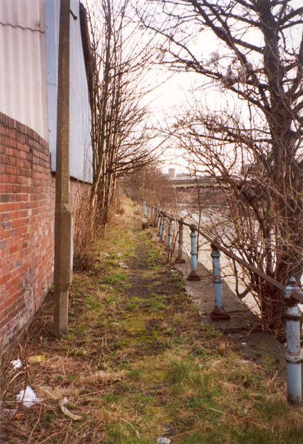 Riverside footpath off Aldams Road, Dewsbury