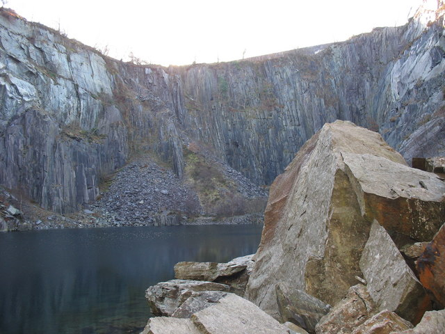 West wall of the upper pit of Lower Glynrhonwy Quarry