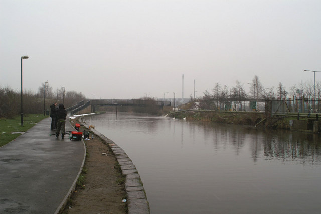 Dismal fishing day on the Sankey Canal