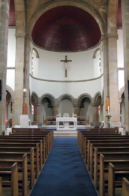 Our Lady of Light & S. Osyth, Clacton, Essex - East end