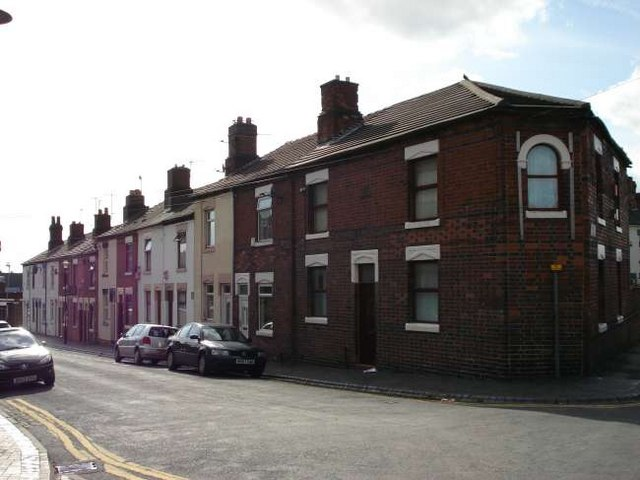 Cliveden Place, Longton