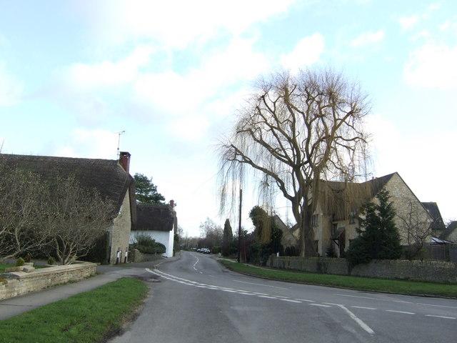 Standlake village houses