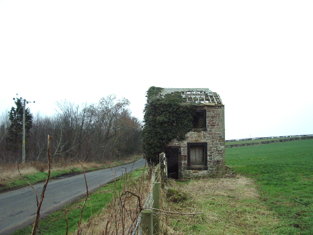 Ruin house SE of Stand End