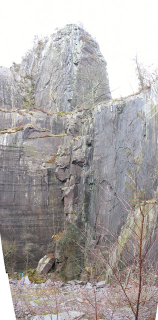A vertical dyke in the upper pit of Glynrhonwy Lower Quarry
