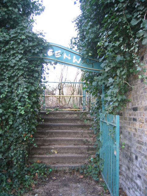 An entrance to the Greenway, West Ham